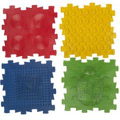 Коврик массажный детский арт.У965 4 модуля квадратной формы (размер каждого элемента 24,5х24,5*1,4см), предназначен для стимулирования рецепторов стопы ребенка, способствуя формированию ее физиологических сводов, мультиколор